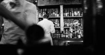 bar-498420_1920
